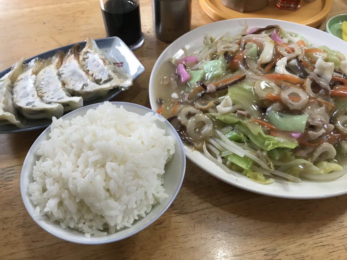食堂いぶの皿うどん定食