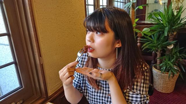 「MilkShake(ミルクセーキ)」の麗未さんと松翁軒セヴィリヤの「カステラ事始め」