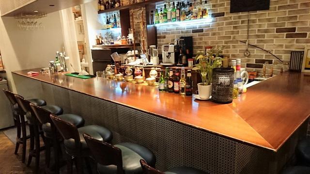 カフェ&バー ウミノ 店内雰囲気